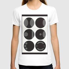 circle black white T-shirt