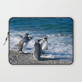 Penguin clique Laptop Sleeve
