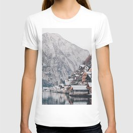 VILLAGE - COAST - MOUNTAINS - SNOW - PHOTOGRAPHY T-shirt