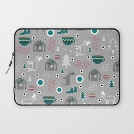 Deer and winter clothing Laptop Sleeve