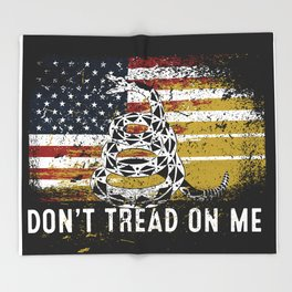 Don't Tread on Me Military USA American Flag Rattlesnake Distressed Design American Revolution Throw Blanket