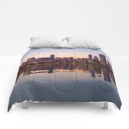 Panorama of the City skyline of Chicago Comforters