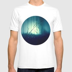 Blue Willow in the rain MEDIUM White Mens Fitted Tee