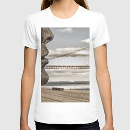 profile statue and bridge T-shirt