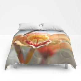 orchid flower ready to fly Comforters