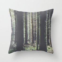 Forest feelings Throw Pillow