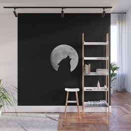 The wolf howls at the moon Wall Mural