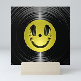 Vinyl headphone smiley Mini Art Print