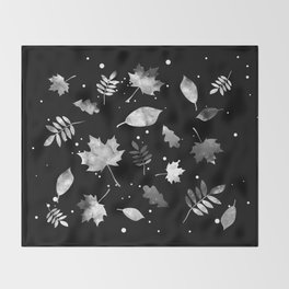 NOIR LEAF PATTERN Throw Blanket