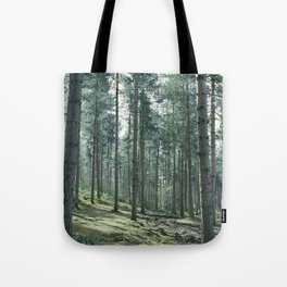 The pines forêt Tote Bag