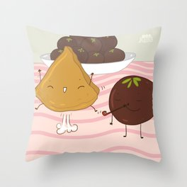 Sweet resolutions - fun samosa Throw Pillow