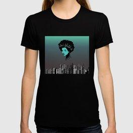 Girl portrait and skyline T-shirt