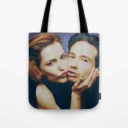 The Schmoopies - Gillian and David Tote Bag