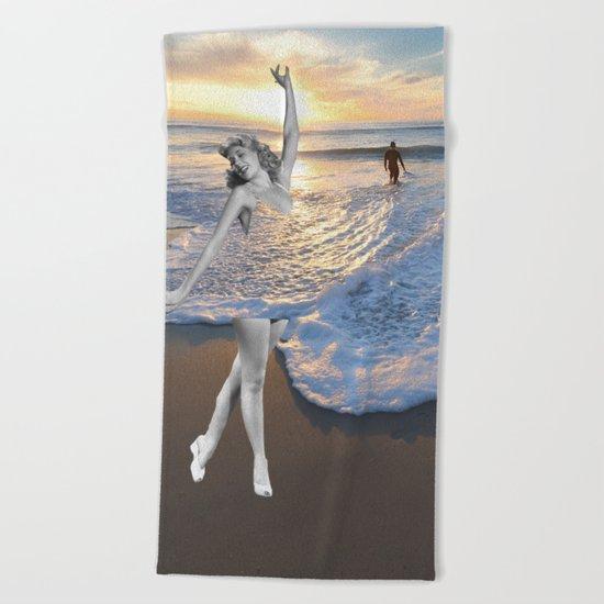 Like a wave Beach Towel