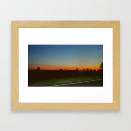 ciudad lejana Framed Art Print
