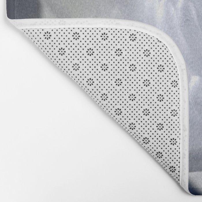 Textured White Flower Bath Mat