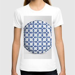 Japanese Bowl with Overall Floral and Gourd during the 19th century Design T-shirt