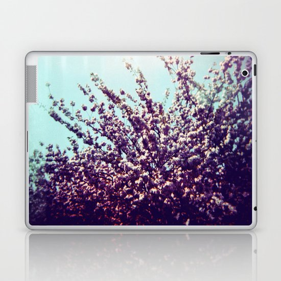 Holga Flowers II Laptop & iPad Skin
