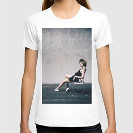 top model with hat T-shirt