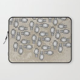 grizzly bear in foliage Laptop Sleeve