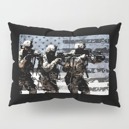 3 Soldiers & US Flag Pillow Sham