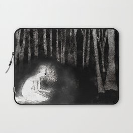 She Wails In Anguish Laptop Sleeve