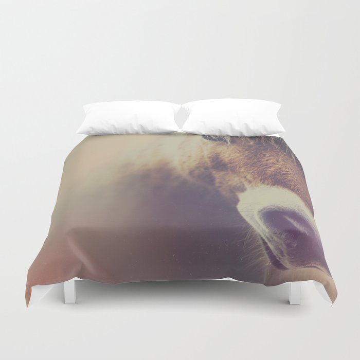 The curious girl Duvet Cover
