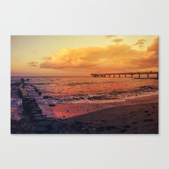 Sundown at the sea Canvas Print