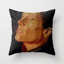 Sigourney Weaver, Alien 4 Throw Pillow