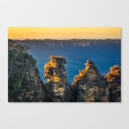 First sunrays in the morning at Three Sisters in Blue, Mountains, Australia Canvas Print