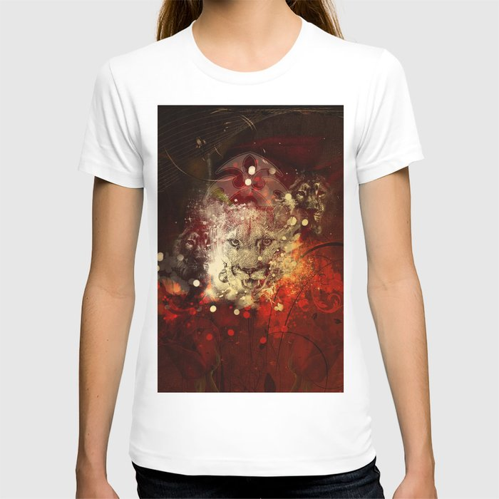 Awesome lion on vintage background T-shirt