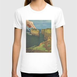 Serving up cake by the seaside T-shirt