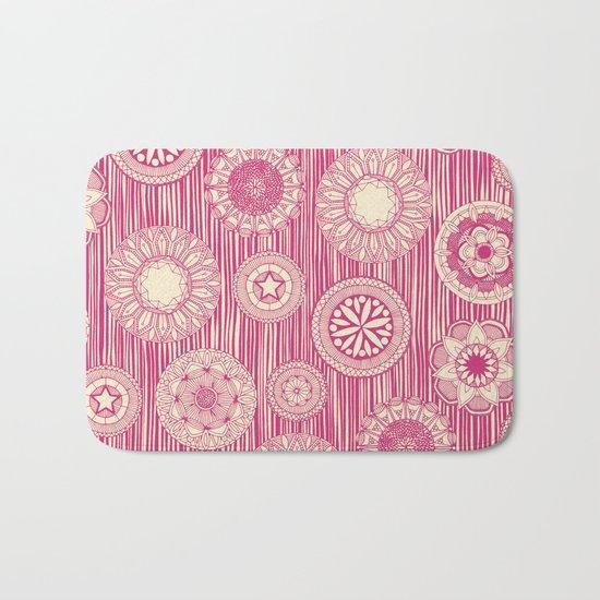 mandala cirque spot pink cream Bath Mat