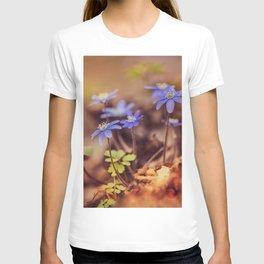 Magic garden with blue liverworts T-shirt