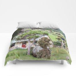 Cottage at Flea Bay, Akaroa, New Zealand Comforters