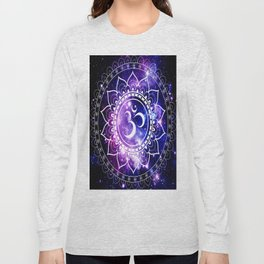 om mandala: purple blue space Long Sleeve T-shirt