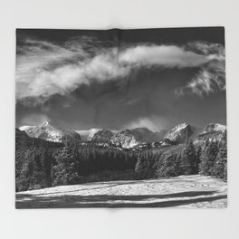 Rocky Mountan Park in Black and White Throw Blanket