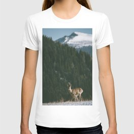 Hello spring! - Landscape and Nature Photography T-shirt