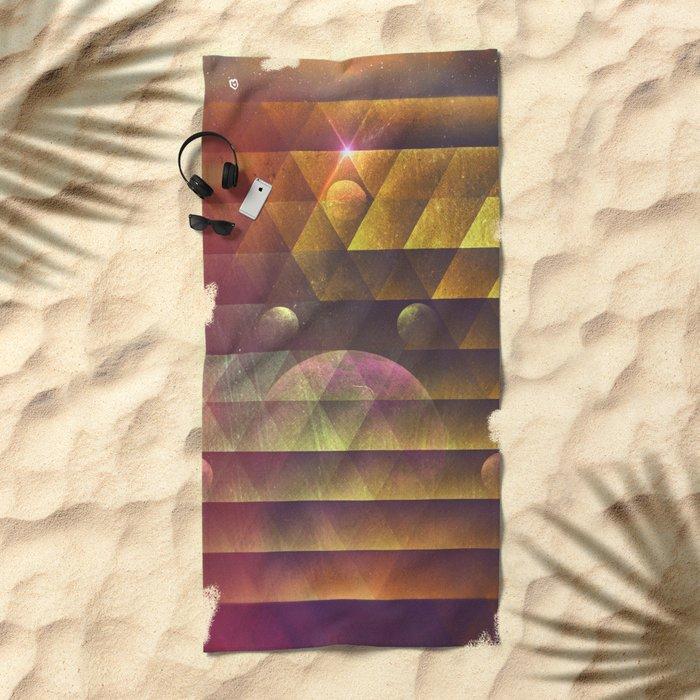 pyncyl myx Beach Towel