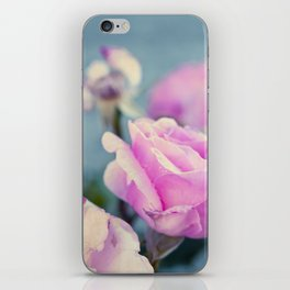 Delicada iPhone Skin