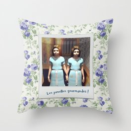 Les jumelles gourmandes ! Throw Pillow
