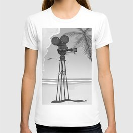 Vintage old time movie camera on a beach T-shirt