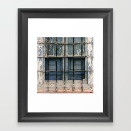 Cristales rotos Framed Art Print