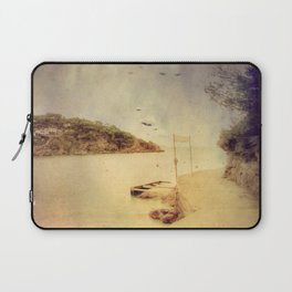 The path that hugs the beach Laptop Sleeve