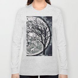 I'M BEING FOLLOWED BY A MOONSHADOW Long Sleeve T-shirt