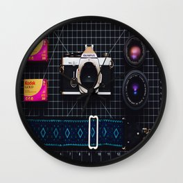 OM-2 Flow Wall Clock