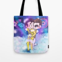 klaine Tote Bags featuring Party All the Time by Sunshunes