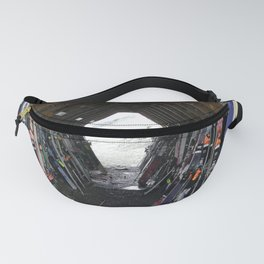 Hideout gathering of skis Fanny Pack