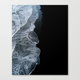 Waves on a black sand beach in iceland - minimalist Landscape Photography Canvas Print