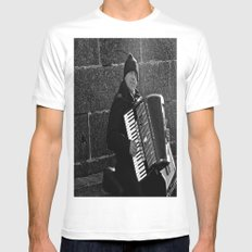 Accordion Busking on Howth Bay White MEDIUM Mens Fitted Tee